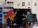 35 Η Λίζα Ζώη με σπουδαστή του Φεστιβάλ Κιθάρας (05-04-2015)